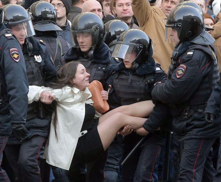 protest-russia-260317-2