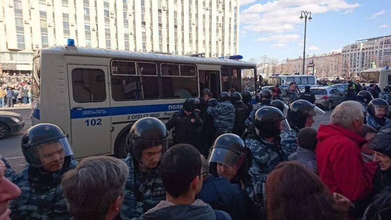 protest-russia-260317-3