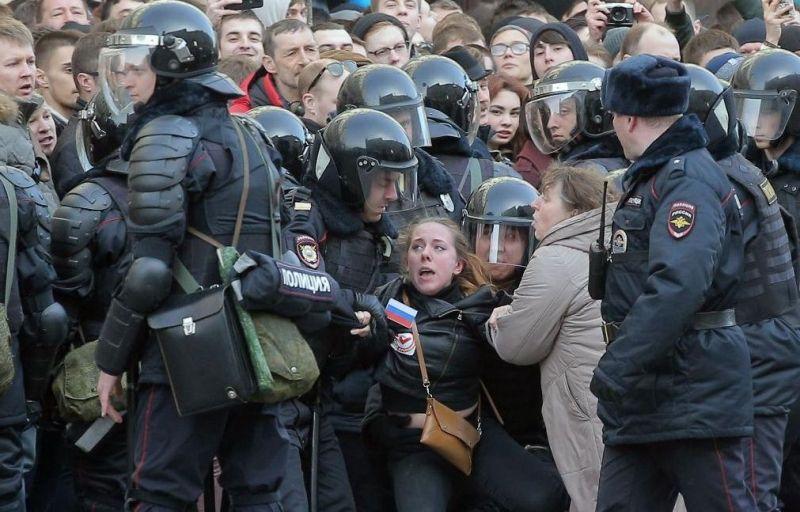 protest-russia-260317-6