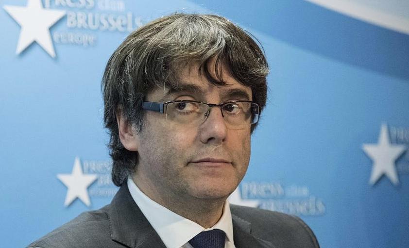 Убежавший из Каталонии Пучдемон выглядит жалким