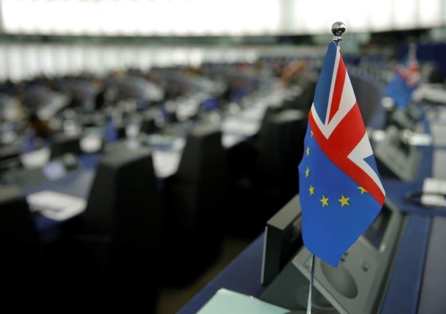 Великобритания в третий раз просит продлить срок Brexit