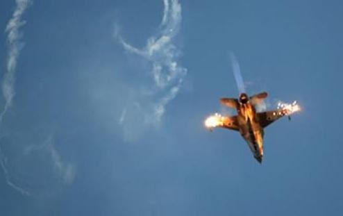 В Сирии сбили очередной российский самолет СУ-25. Пилот захвачен в плен (Видео)