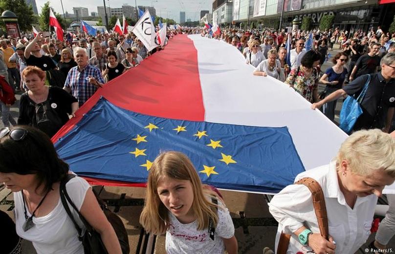 Президент ЕС Дональд Туск упрекает Польшу за антиукраинскую политику